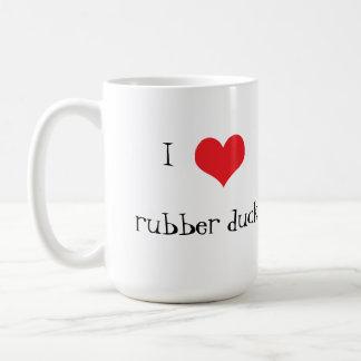 Taza de café linda del corazón del amor del