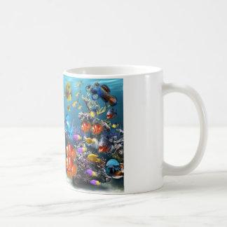 taza de café linda del diseño de los pescados