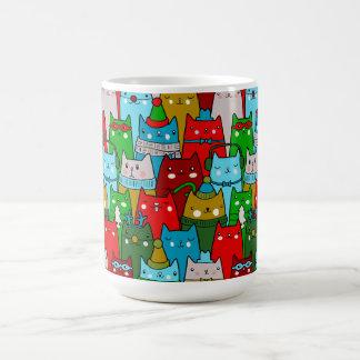 Taza de café linda fresca colorida de los gatos