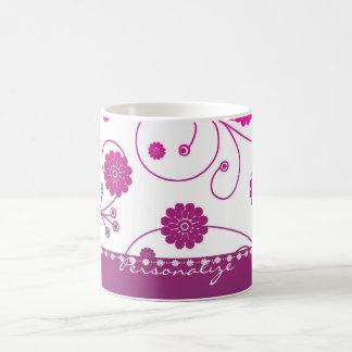 Taza de café magenta de la bandera de la floración