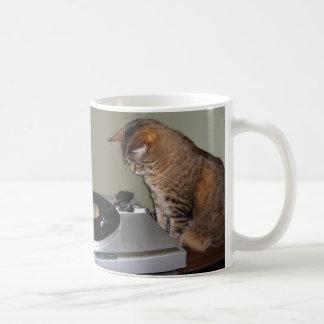 Taza de café maravillosa del gato