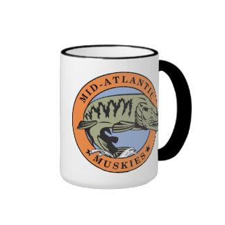 Taza de café Mediados de-Atlántica de Muskies II (