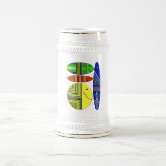 Taza de café modelada pescados coloridos