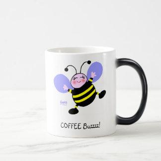 Taza de café Morphing del adicto divertido lindo