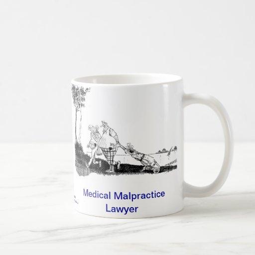 Taza de café muerta del abogado de la negligencia