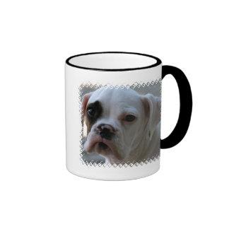 Taza de café observada negro del perro del