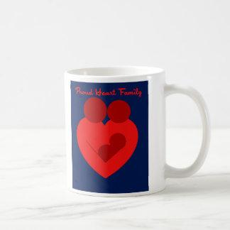 Taza de café orgullosa de la familia del corazón