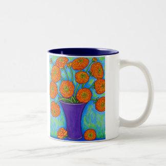 Taza de café radiante del ranúnculo