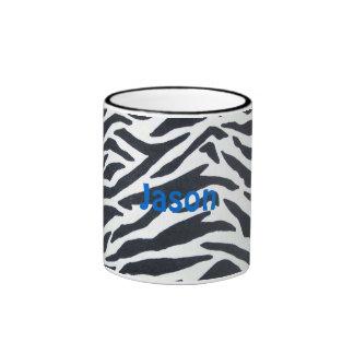 Taza de café rayada blanco y negro de la cebra de