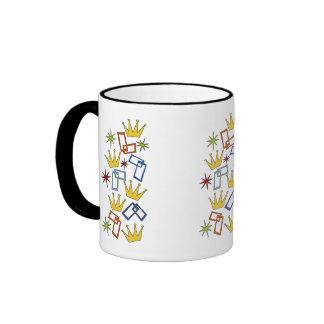 Taza de café retra de la corona de las formas de l