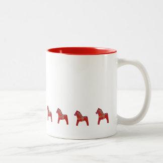 Taza de café roja del caballo de Dala