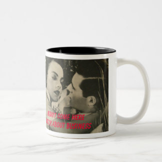 Taza de café romántica pasada de moda