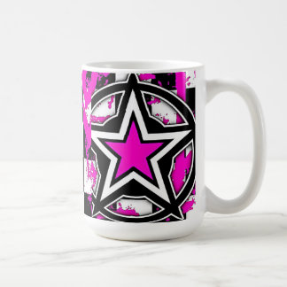 Taza de café rosada de la estrella de Emo