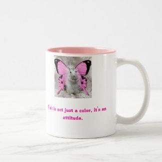 Taza de café rosada del ángel de la ardilla
