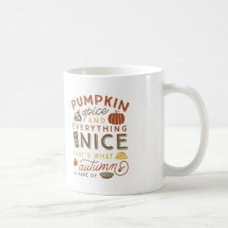 Taza de café tipográfica del otoño de la especia