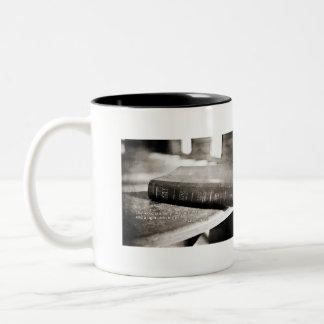 Taza de café - todavía esté y sepa que soy dios