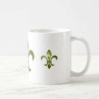 Taza de café torcida de la flor de lis