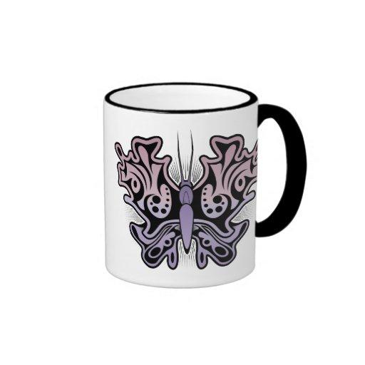 Taza de café tribal abstracta púrpura rosada de la