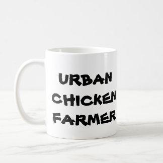 Taza de café urbana del granjero del pollo