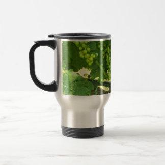 Taza de café verde de las uvas a ir