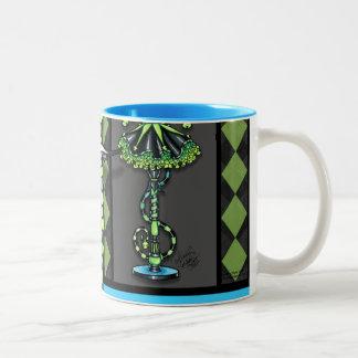 Taza de café verde del duendecillo del bufón de Ji
