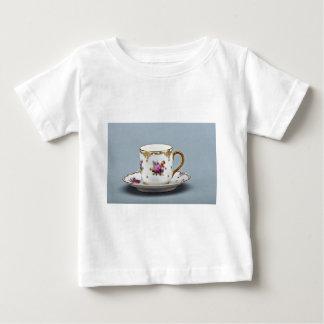 Taza de café y platillo del siglo XX, Baviera, Playera