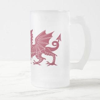 Taza de cerveza de cristal del dragón medieval