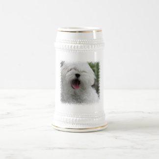 Taza de cerveza del perro maltés