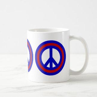 Taza de cerveza del signo de la paz