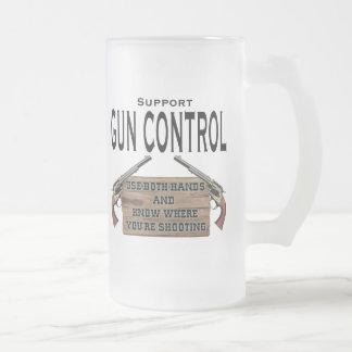 Taza de cerveza divertida de Contol del arma