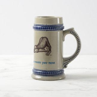 Taza de cerveza divertida del mono