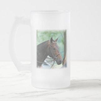 Taza de cerveza helada caballo magnífico de Warmbl