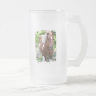 Taza de cerveza helada del caballo de proyecto