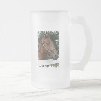 Taza de cerveza helada foto cuarta del caballo