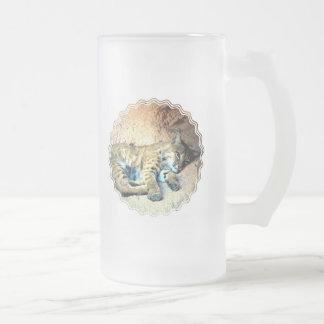 Taza de cerveza helada hábitat del lince