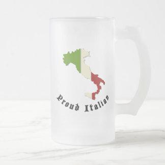 Taza de cerveza helada italiano orgulloso