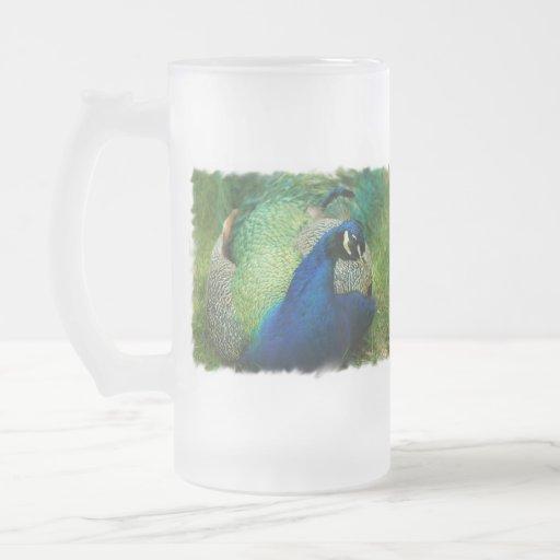 Taza de cerveza helada pavo real azul