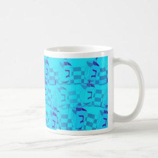 Taza de Chanukah con Dreidels azul