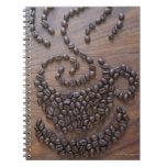 Taza de Coffe ilustrada usando los granos de café Libretas