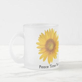 Taza de cristal inspirada del té del tiempo de paz