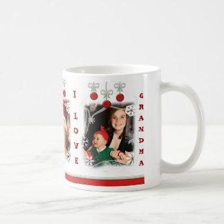 Taza de encargo de la abuela del navidad de la