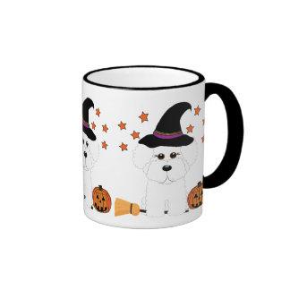 Taza de Halloween de la bruja de Bichon Frise