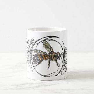 Taza de la abeja de la gema