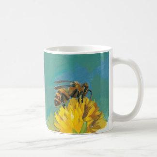Taza de la abeja de la miel