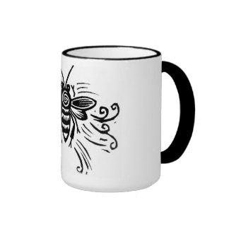 taza de la abeja para un zumbido del café