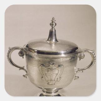 Taza de la aguja de James II, 1685 Pegatina Cuadrada