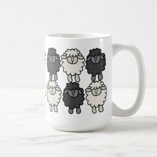 Taza de la brigada de las ovejas de Sheepeh y de W