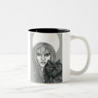 Taza de la bruja gótica y del gato negro
