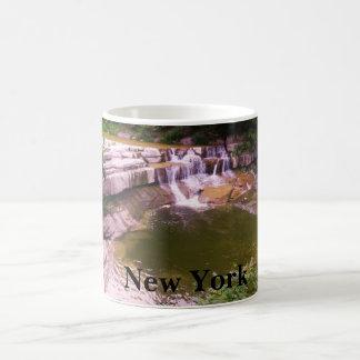 Taza de la CASCADA de NUEVA YORK