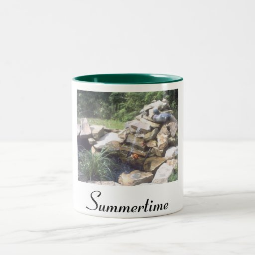 Taza de la charca del verano